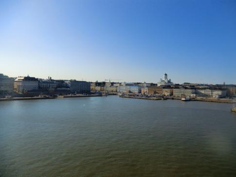 Die Skyline von Helsinki während der Rückfahrt nach Stockholm