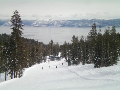 Blick auf den Lake Tahoe (von der Piste Pot'o'Gold)