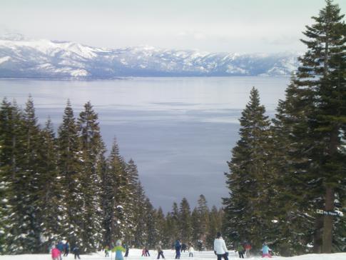Blick auf den Lake Tahoe (von der Piste Rainbow Ridge)