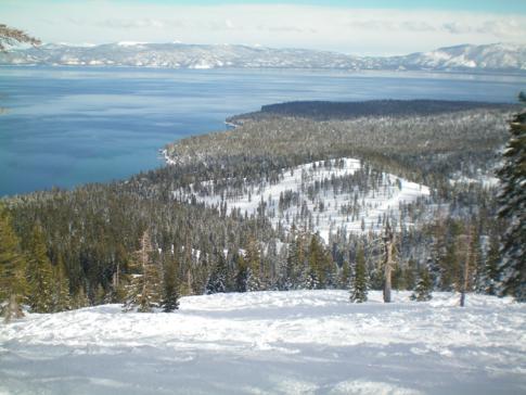 Blick auf den Lake Tahoe (von der Piste Big Dipper)