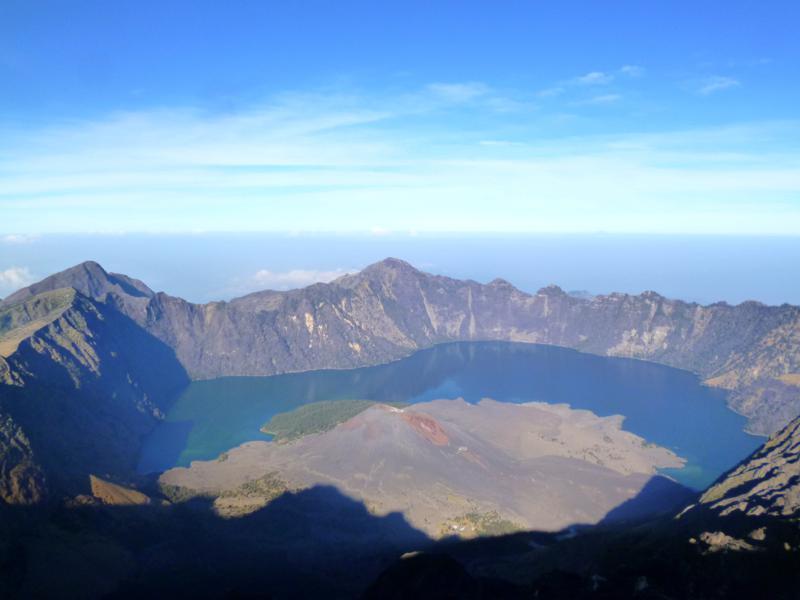 Der schöne Kratersee des Mount Rinjani