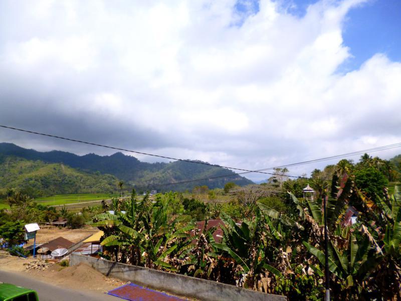 Der kleine Touristenort Moni auf Flores in Indonesien