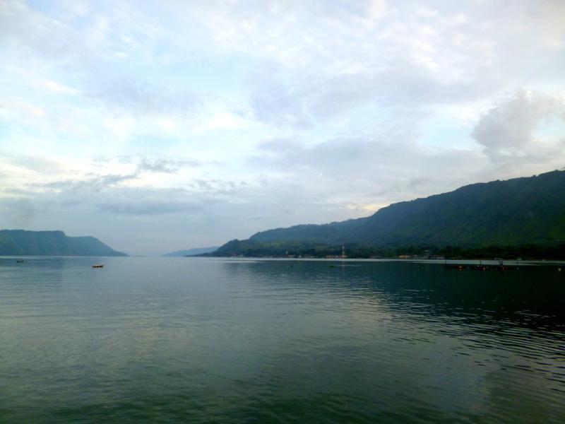 Fast wie in Österreich - der Lake Toba auf Sumatra