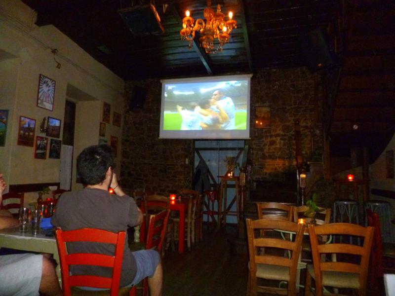 Public Viewing Griechenland gegen Elfenbeinküste in Ioannina zur FIFA Fußball-Weltmeisterschaft 2014