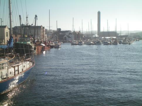 Der Jachthafen in Peel, im Osten der Isle of Man