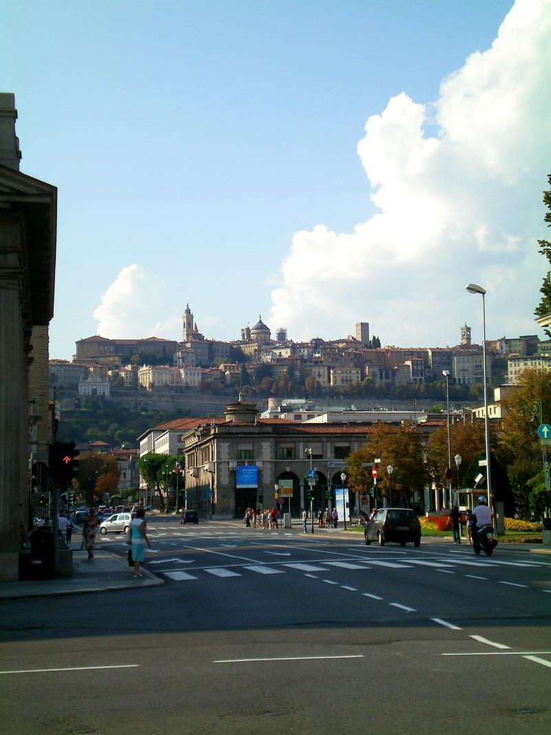 Die Citta Bassa, die Unterstadt von Bergamo in Norditalien