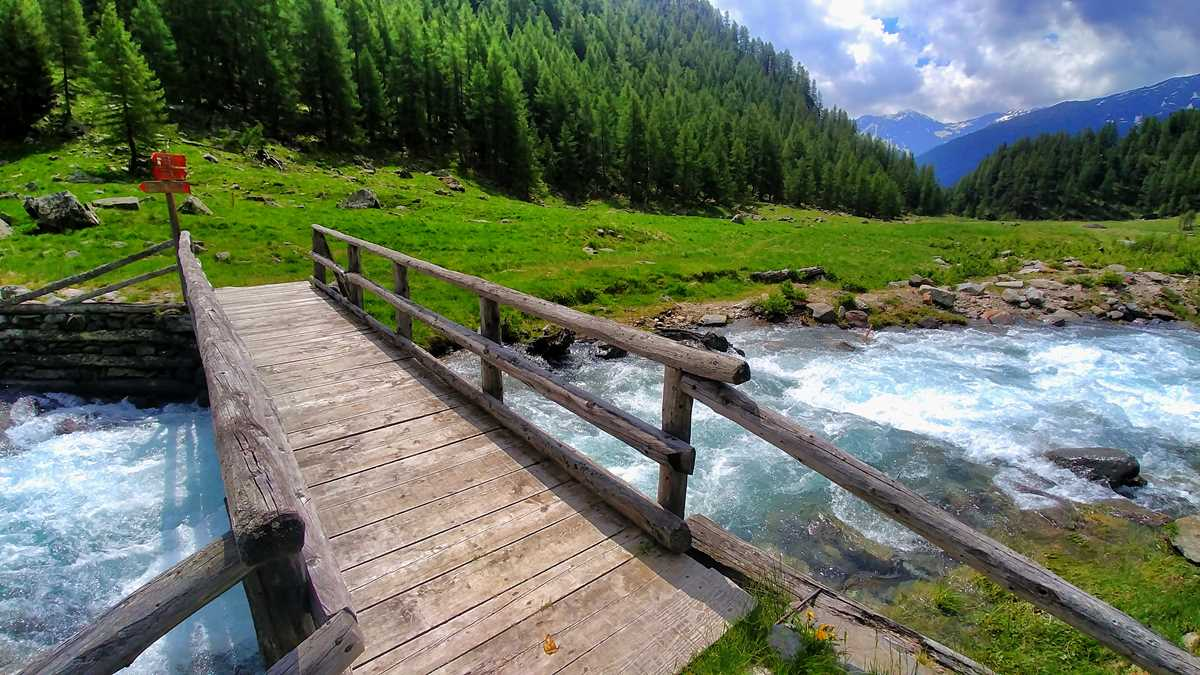 Wanderung durch das Val di Rabbi und das Pra di Saent