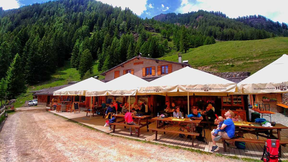 Die Alm Malga Stablasolo im Val di Rabbi in Trentino