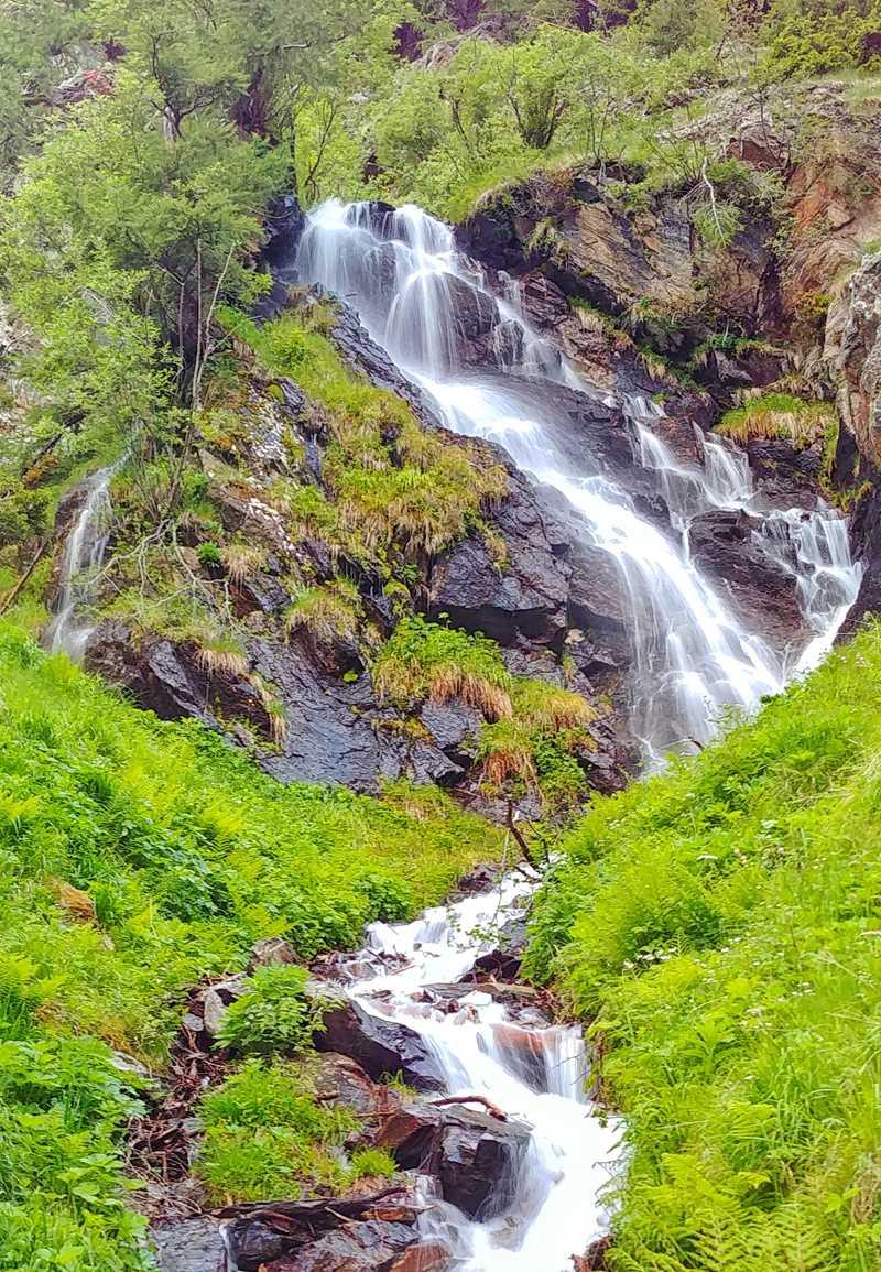 Wandern im Val di Rabbi in Trentino im Norden von Italien