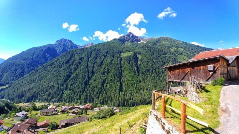 Tolle Bergwelt im Val di Rabbi in Trentino im Norden von Italien