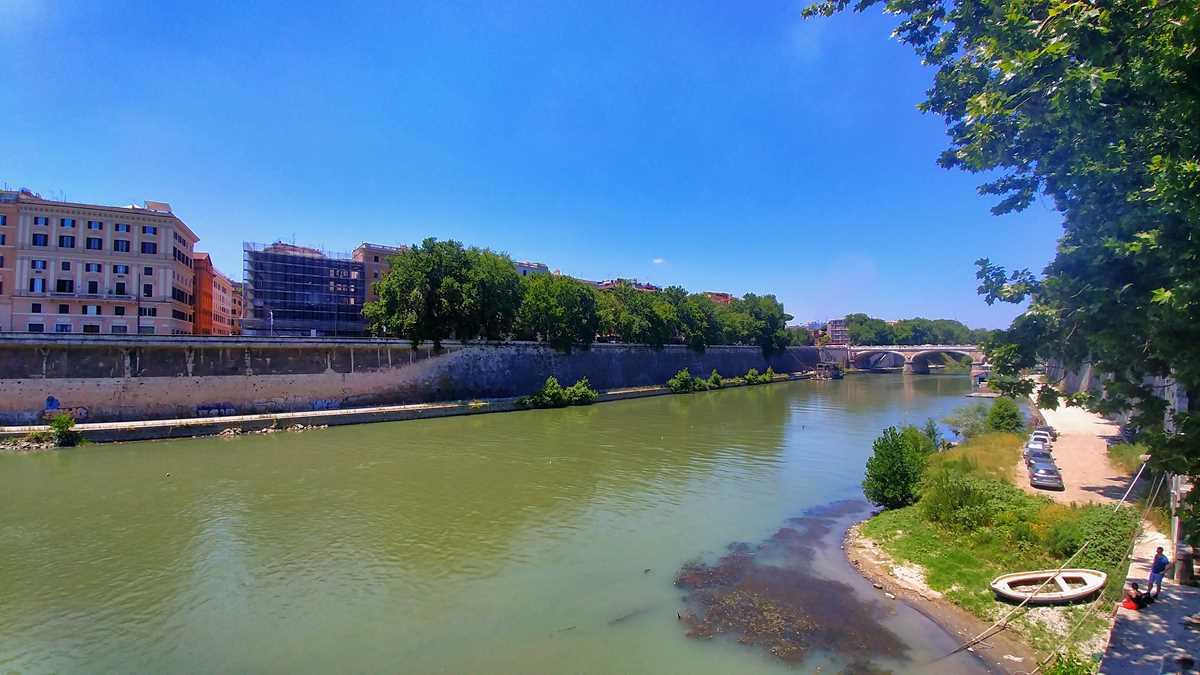 Der Tiber, Fluss durch Rom, Italiens Hauptstadt