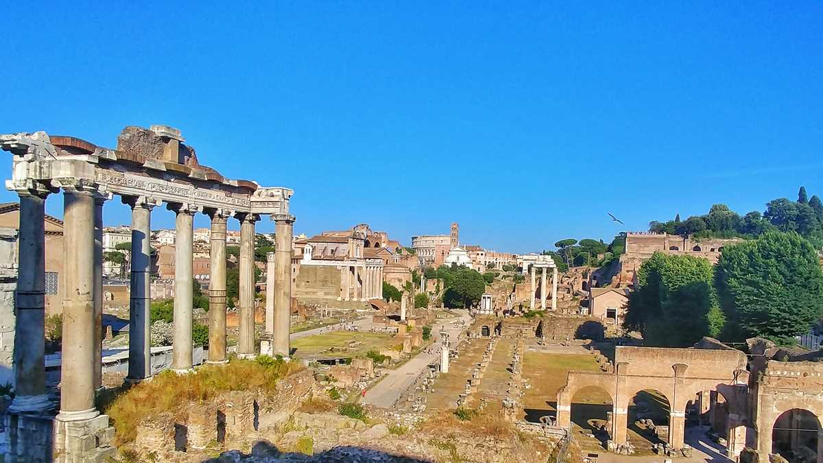Das Forum Romanum, eine der Sehenswürdigkeiten von Rom