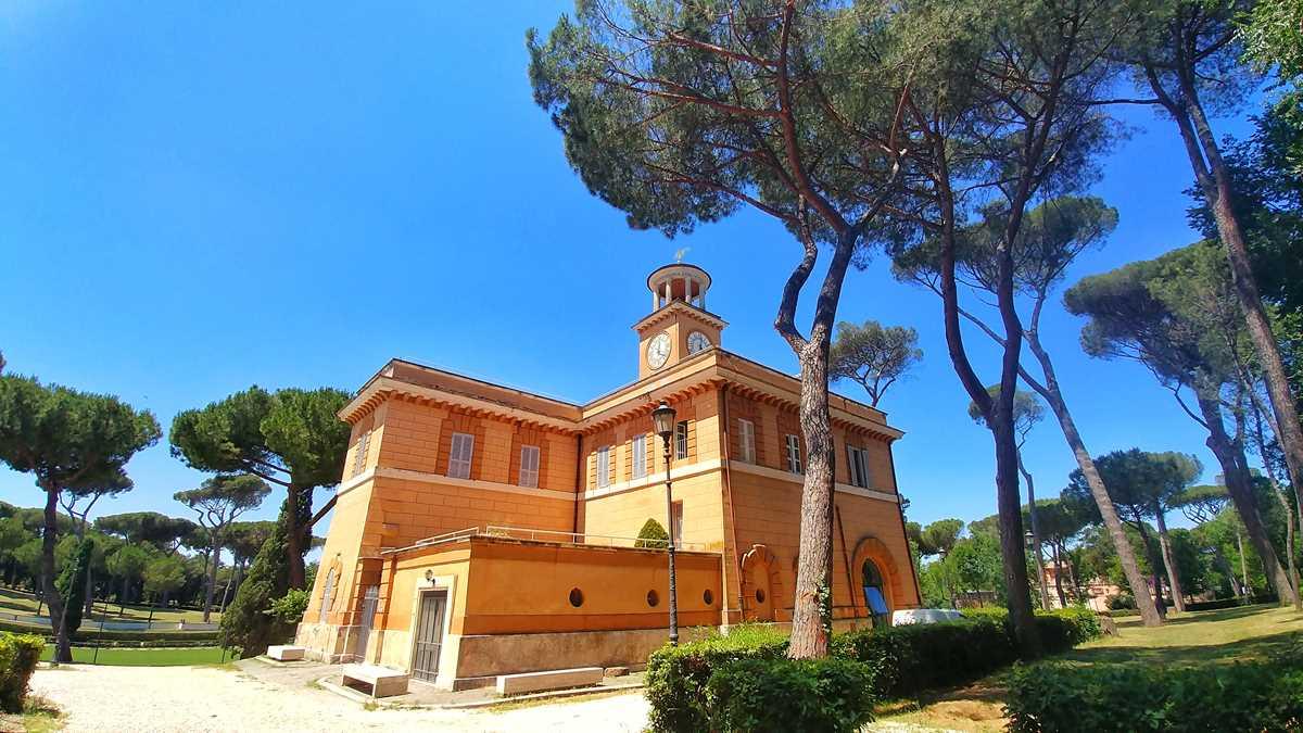 Die schönen Anlagen er Villa Borghese, einem der Parks in Rom