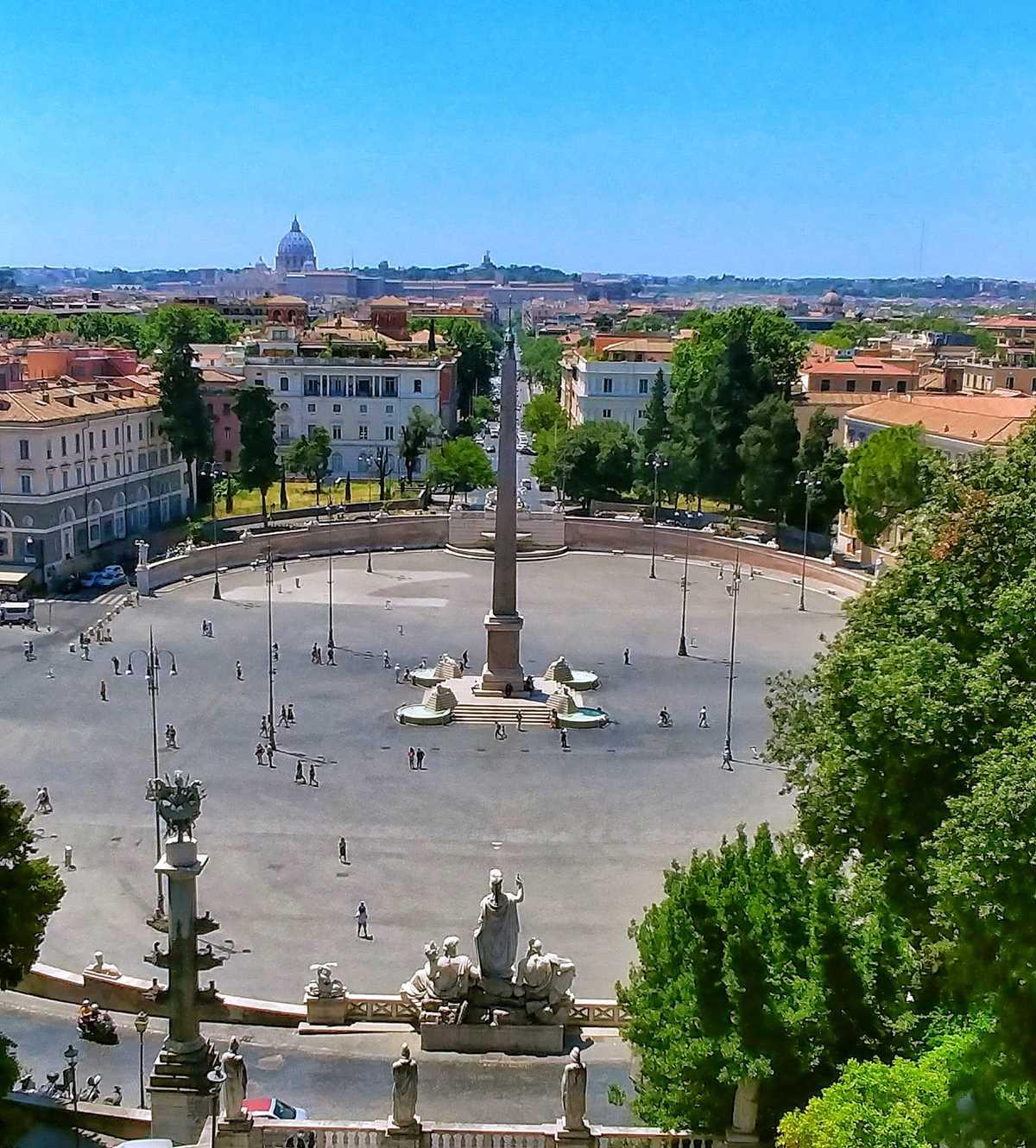 Eine der tollen Ausblick auf die Altstadt von Rom, hier von der Terrazza del Pincio