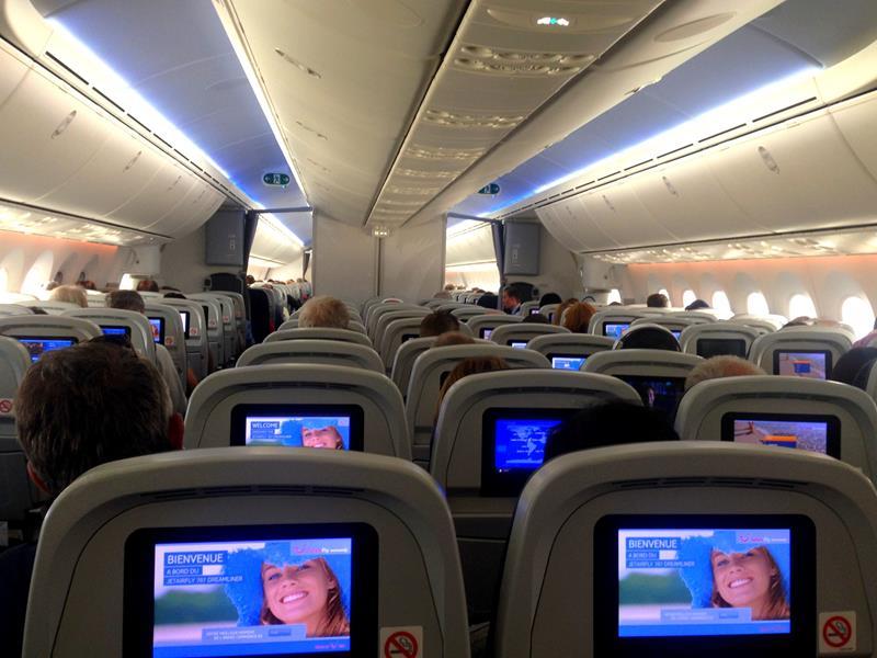 Das Innere des Dreamliners in einer JetairFly-Maschine