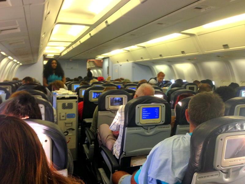 Die Innenausstattung einer alten Boeing 767-300 bei JetairFly