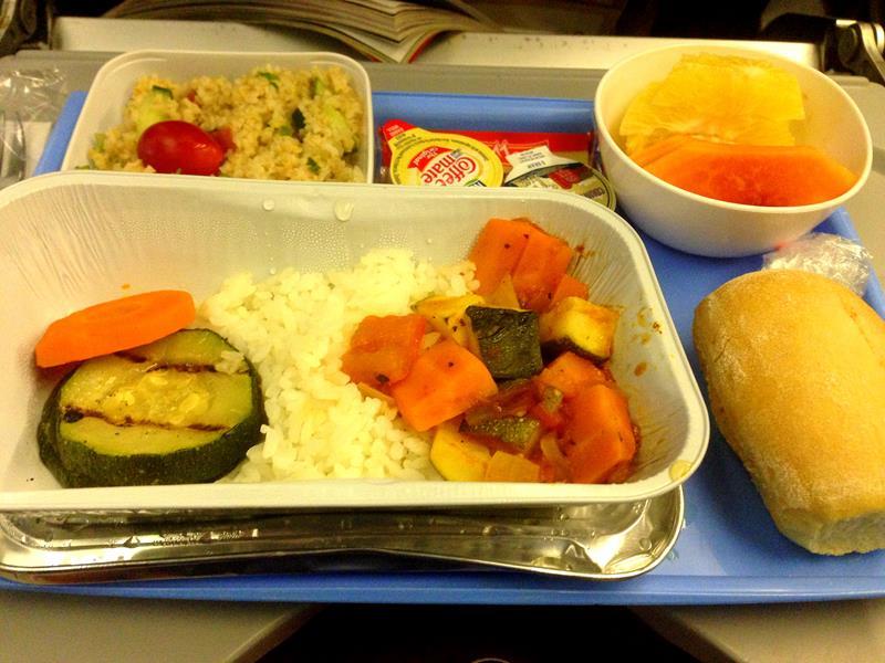 Das vegetarische Essen auf der Langstrecke in der Economy Class bei JetairFly