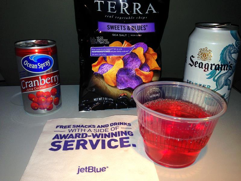 Der typische Bordservice bei JetBlue in der Economy Class