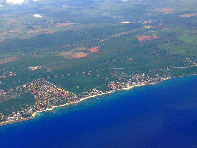 Ausblick auf Juan Dolio auf dem Flug mit JetBlue von Santo Domingo nach San Juan