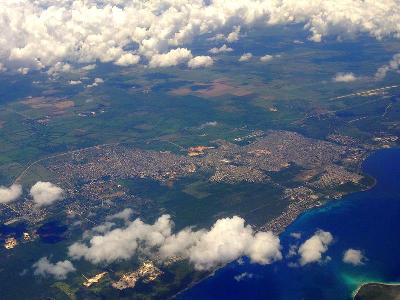 Ausblick auf La Romana auf dem Flug mit JetBlue von Santo Domingo nach San Juan