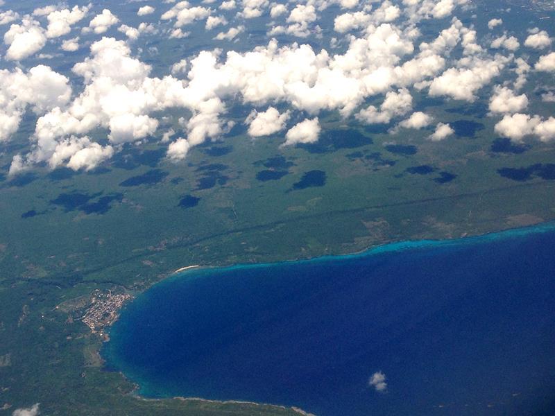 Ausblick auf Boca de Yuma auf dem Flug mit JetBlue von Santo Domingo nach San Juan