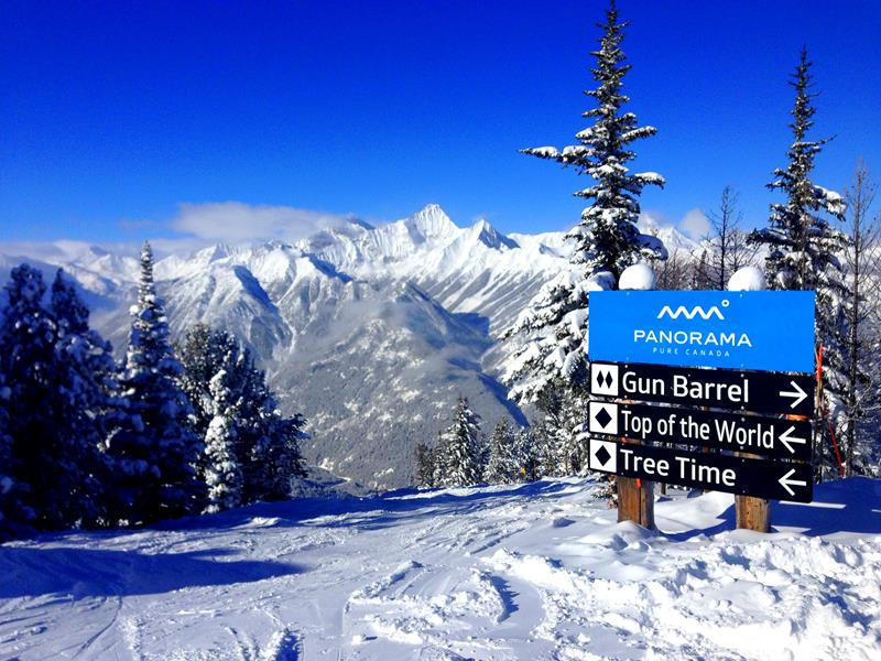 Blick vom Panorama Mountain auf die beeindruckenden Berge