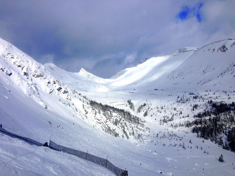 Die berühmten Back Bowls im Lake Louise Ski Resort