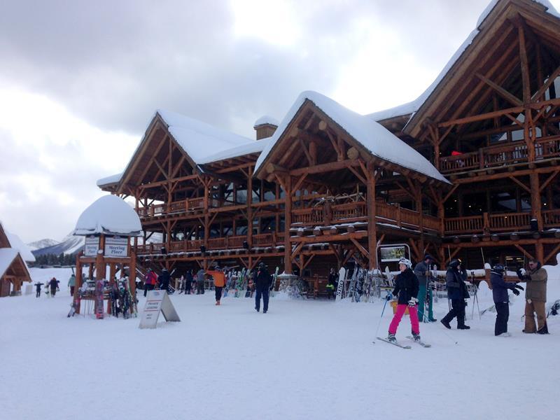 Das Skigebiet in Lake Louise in Alberta, Kanada
