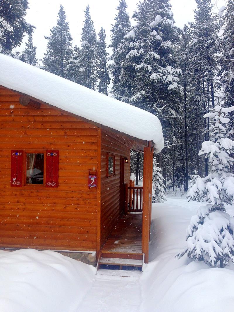 Die Baker Creek Chalets im Banff National Park nahe Lake Louise