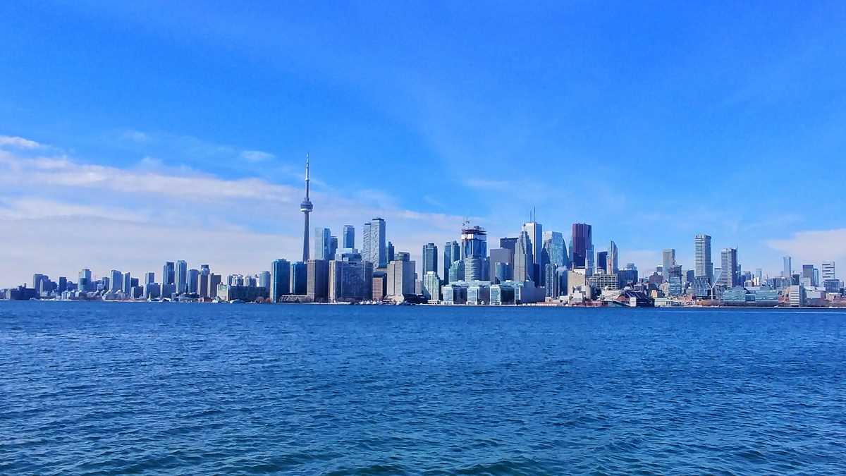 Blick auf die Skyline von Toronto von Ward Island