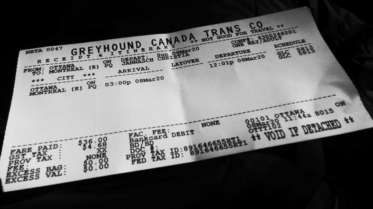 Ein Busticket mit Greyhound in Kanada für die Fahrt von Ottawa nach Montreal