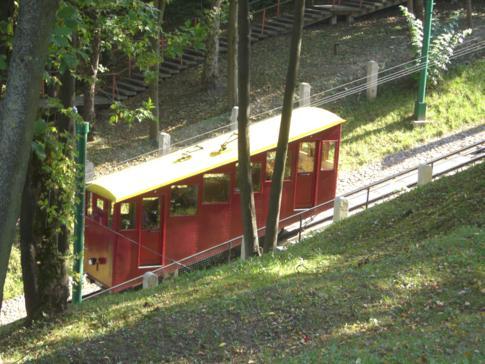 Eine der beiden Bergbahnen in Kaunas