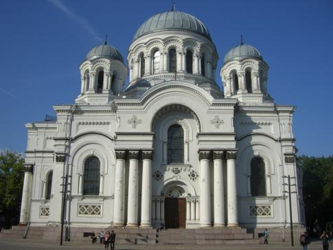Die beeindruckende Garnisonskirche von Kaunas