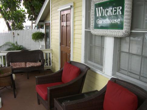 Eingang zum Wicker Guesthouse in der Duval Street auf Key West