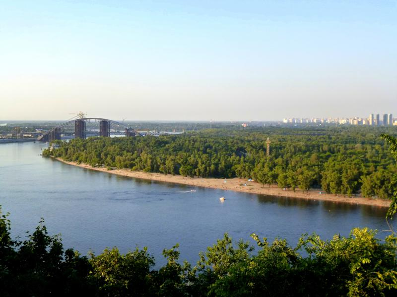 Blick auf den Dnepr, den Hauptfluss von Kiew
