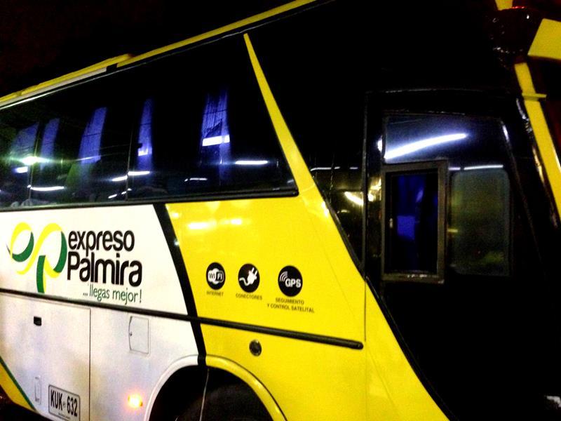 Mit dem Nachtbus von Expreso Palmira in Kolumbien von Armenia nach Bogota
