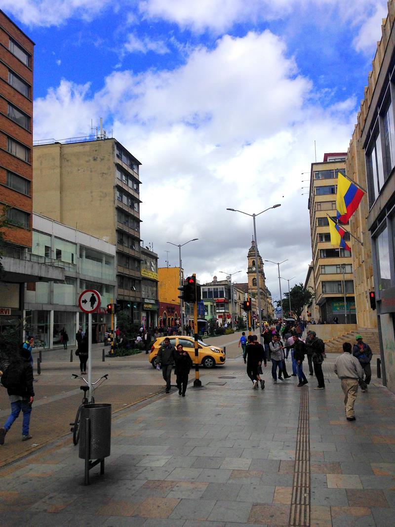 Die Fußgängerzone im Zentrum von Kolumbiens Hauptstadt Bogota