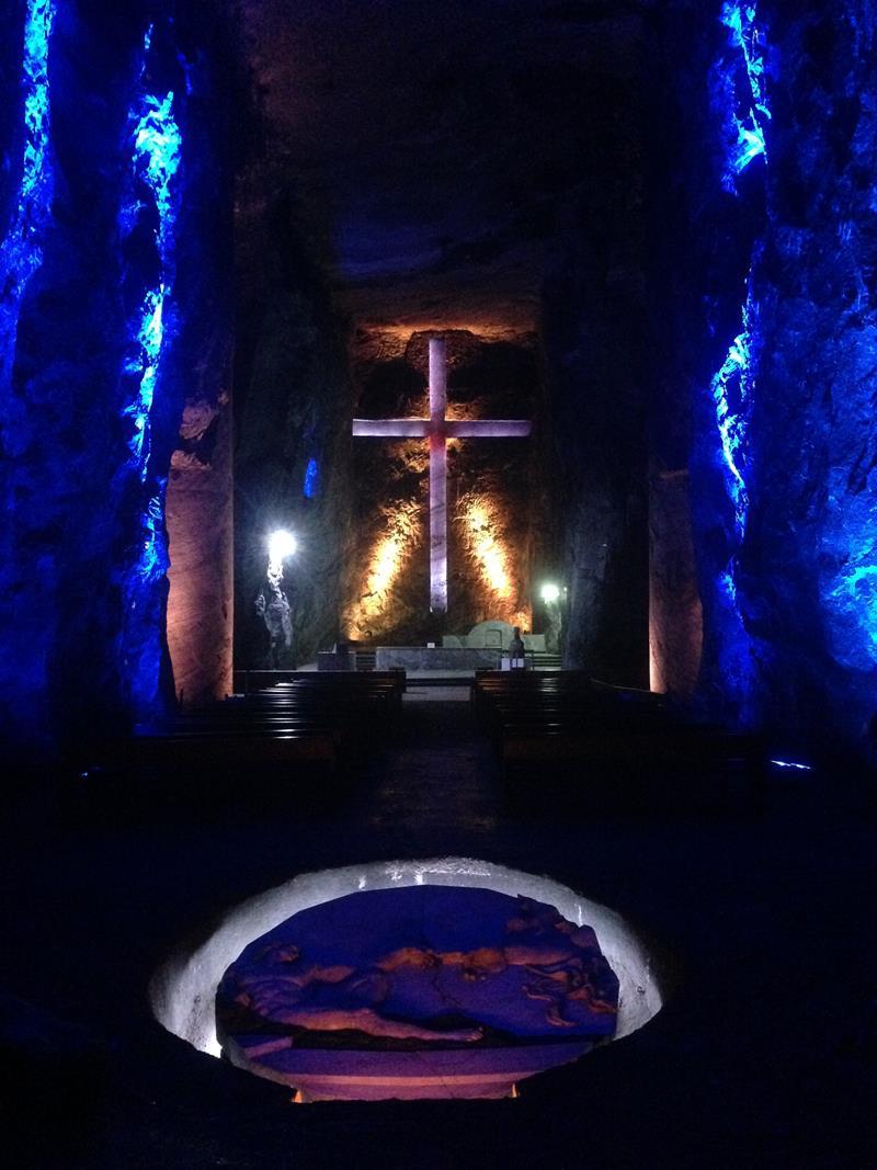 Die riesige Salz-Kathedrale von Zipaquira in der Nähe von Bogota
