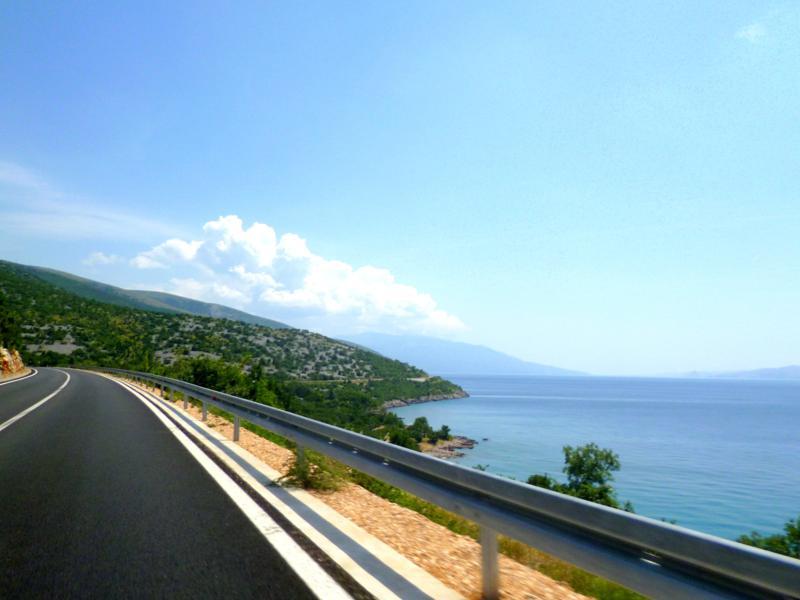 Mit unserem Mietwagen unterwegs auf den Straßen von Kroatien