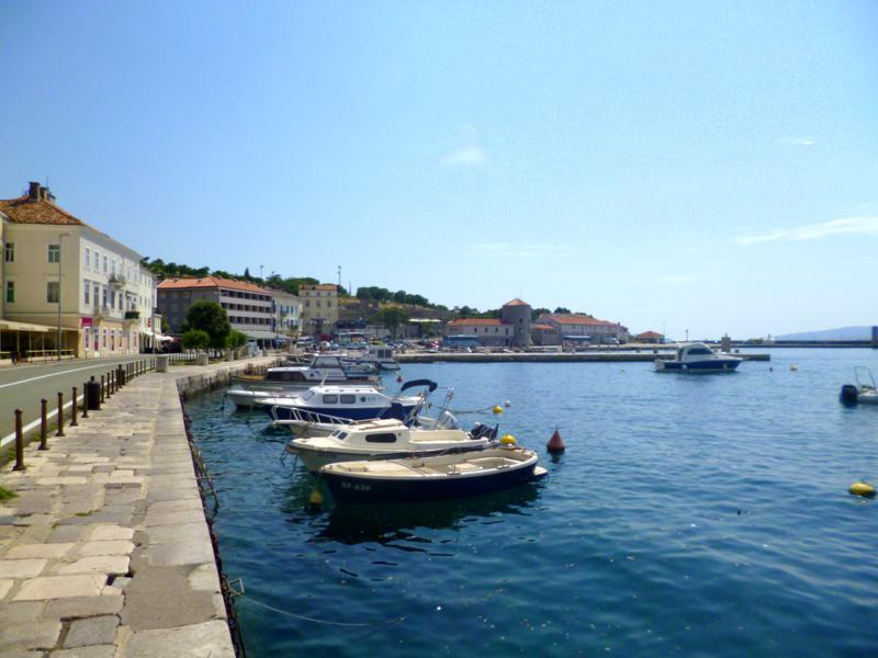 Der kleine Ort Senj an der kroatischen Adriaküste