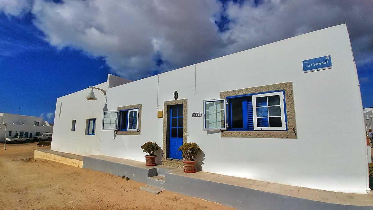 Der Ort Caleta del Sebo auf der Insel La Graciosa