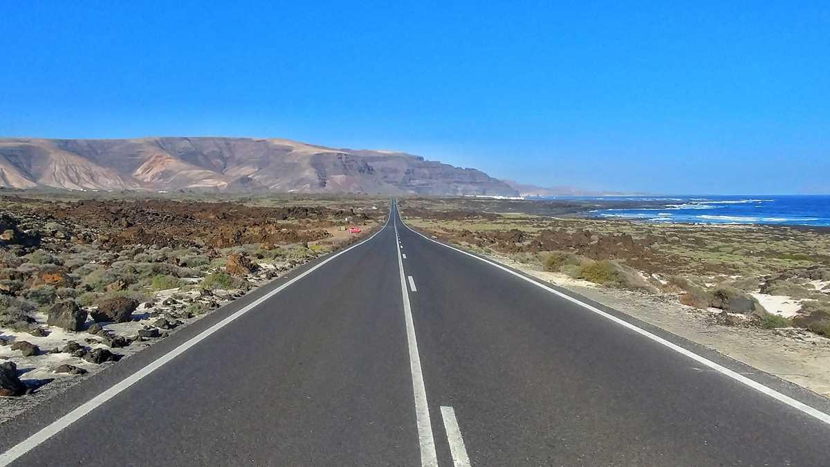 Die Straße LZ 1 von Punta Mujeres nach Orzola während meines Road-Trips über Lanzarote