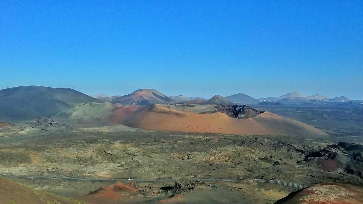 Die beeindruckende Vulkanlandschaft im Timanfaya Nationalpark