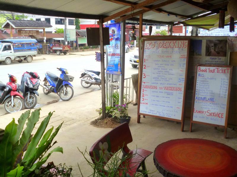 Klassisches Ausflugsbüro in Luang Namtha