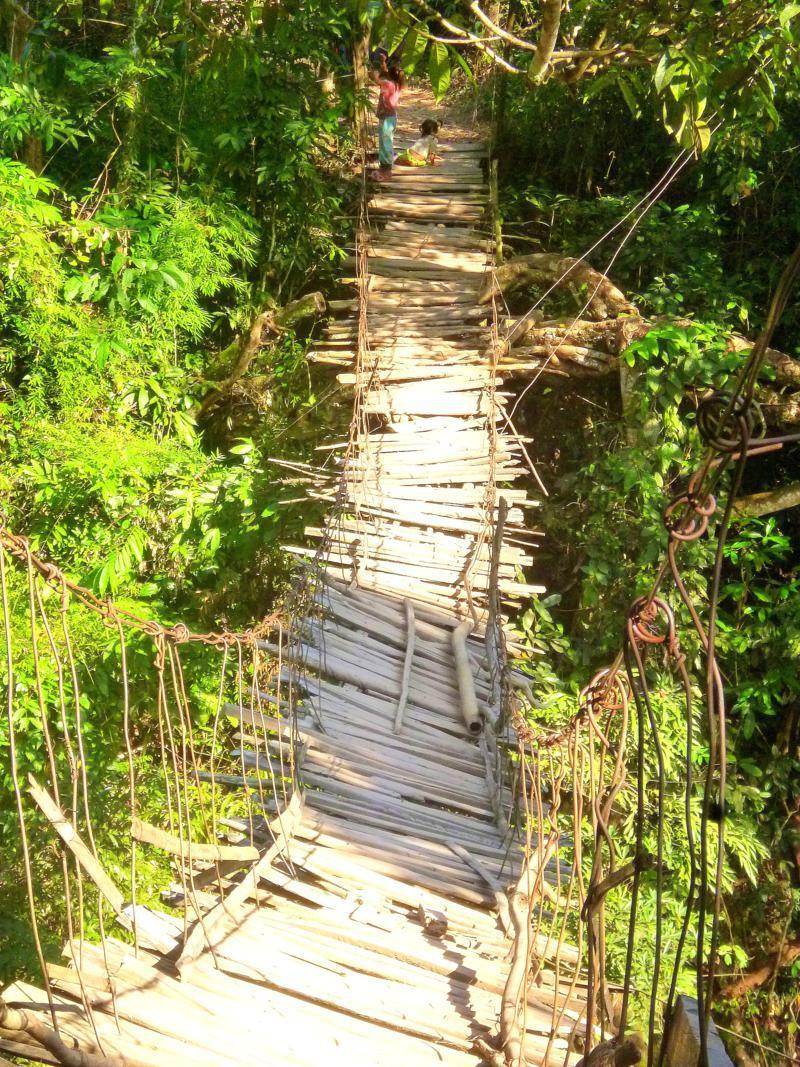 Spannende Brücke in Nordlaos