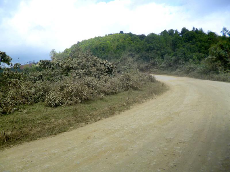 Graue Tristesse auf der Busfahrt von Luang Namtha nach Udomxai