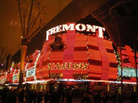 Typische Casino-Beleuchtung im alten Las Vegas - hier das Fremont