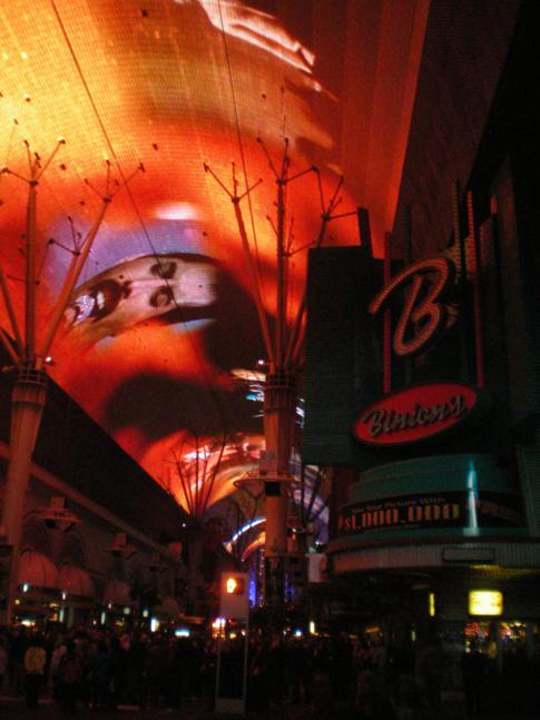 Beeindruckende Lichtershow - Fremont Street Experience in Las Vegas