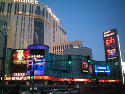 Das planet hollywood von außen - direkt am Strip von Las Vegas gelegen