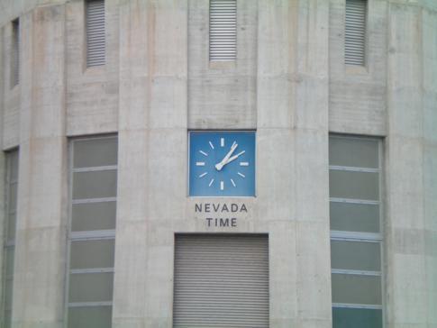 Der Hoover Dam in den USA, hier die Zeitanzeige auf der Seite von Nevada